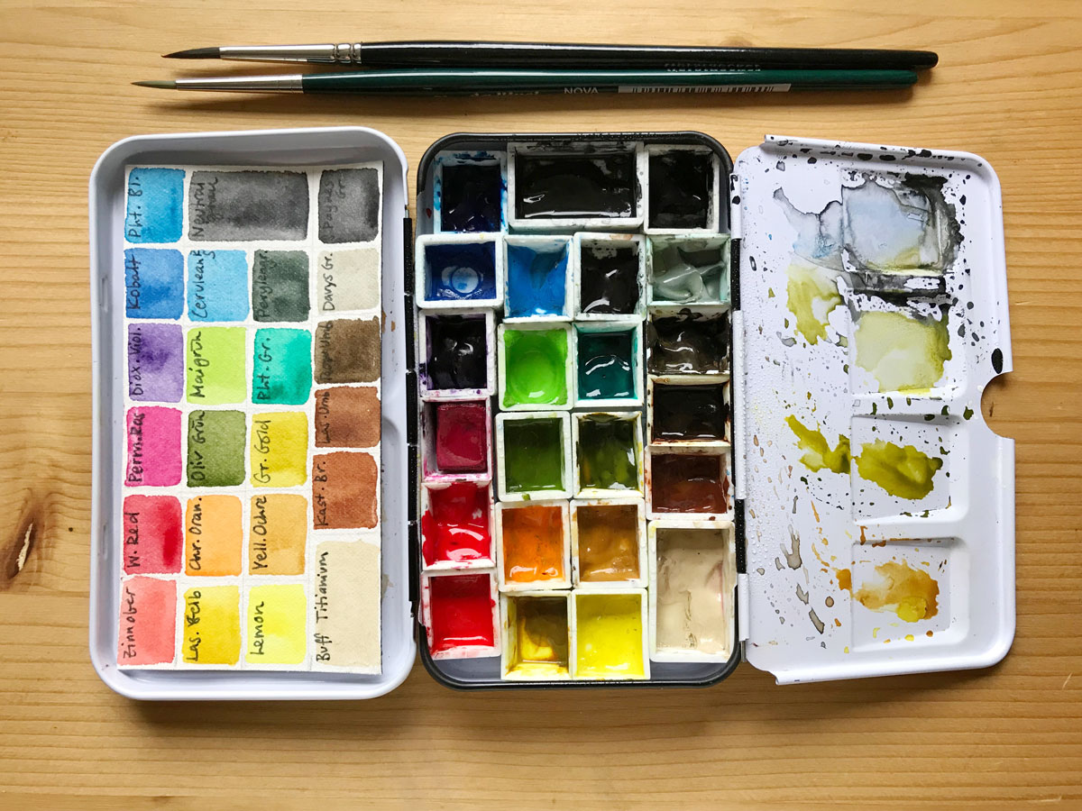 My current watercolor field kit + tips for choosing a palette